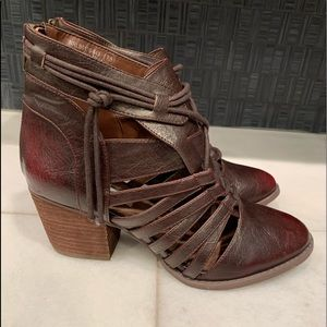 NWT Burgundy Booties